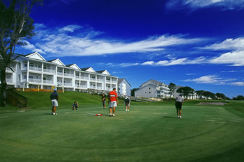 Playing Golf at Ocean Isle Inn