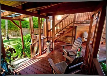 Vacation rental porch at Big Island Vacation Rentals.