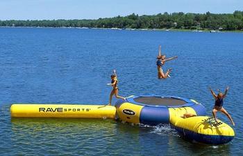 Lake activities at Rio Vista Resort.
