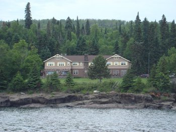 Minnesota north shore resorts and lodges for North shore lake superior cabins