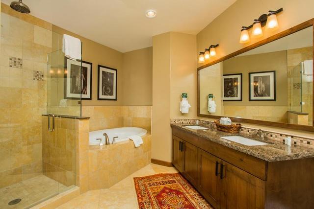 Rental bathroom at Trailhead Lodge.