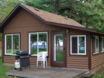 Cabin exterior at Black Pine Beach Resort