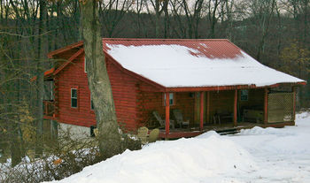 Cabin exterior at American Heartland Cottages.