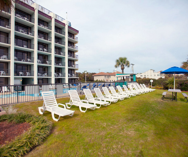 Grande Shores Ocean Resort (Myrtle Beach, SC)