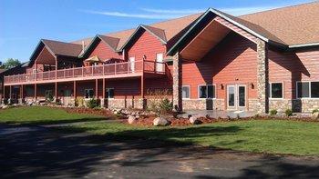 Lodge exterior at Appeldoorn's Sunset Bay Resort.