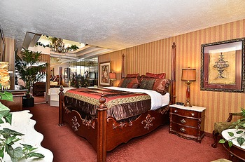 Luxurious guestroom at Abbey Inn