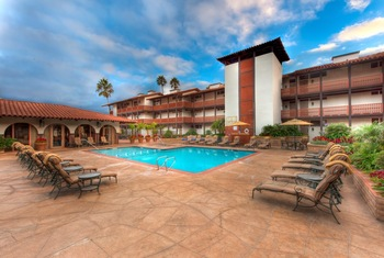 Outdoor pool at La Jolla Shores Hotel.