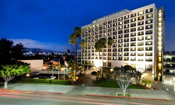 Exterior view of Crowne Plaza Beverly Hills.