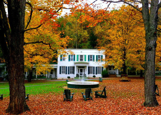 capon springs Capon springs is a true old fashioned seasonal getaway located in west virginia's historic eastern panhandle established originally as a 19th century resort, it is now third generation family .