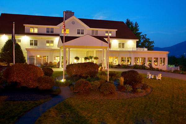 The white mountain hotel resort north conway nh for Ski cabins in new hampshire