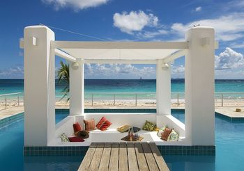 Vacation rental pool at Coral Beach Club.