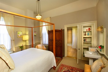 Guest bedroom at Camellia Inn.