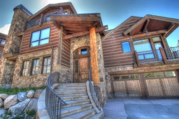 Vacation rental exterior view of SkyRun Vacation Rentals - Copper Mountain.