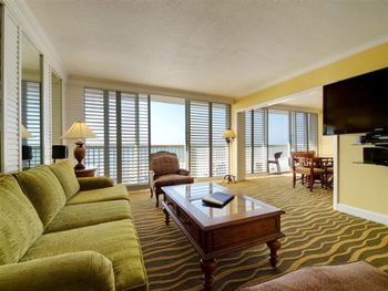 Guest suite at TradeWinds Island Grand.