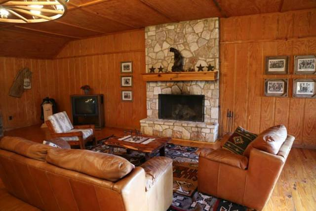 Lodge living area at West 1077 Guest Ranch.