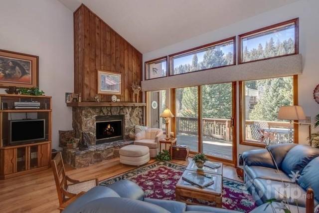 Rental living room at iTrip - Breckenridge.