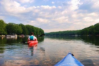 Kayaking at Railey Mountain Lake Vacations.
