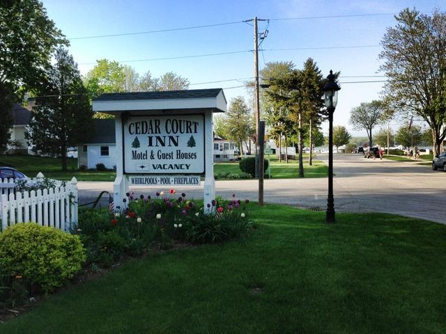 Cedar court inn fish creek wi resort reviews for Fish creek motel