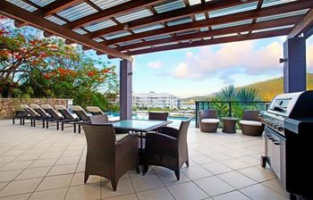 Patio at Waterfront Whitsunday Retreat.