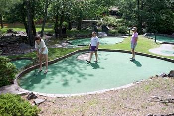 Mini golf at Split Rock Resort & Golf Club.