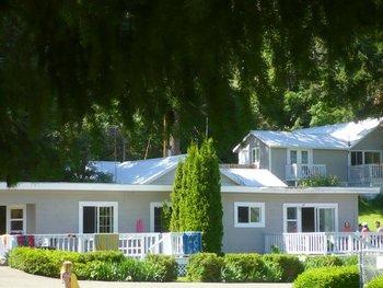 Lodge exterior at Watson's Harverene Resort.