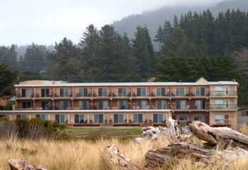 Exterior View of Inn of the Beachcomber