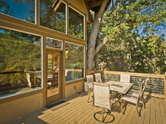 River road treehouses new braunfels tx resort reviews for Cabins near whitewater amphitheater