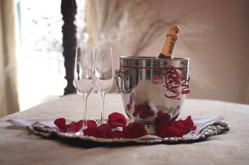 Romantic getaways at Hotel Maison de Ville.