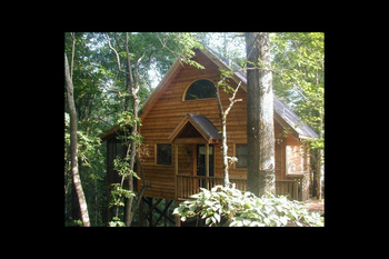 Cabin exterior at Twin Rivers Resort.