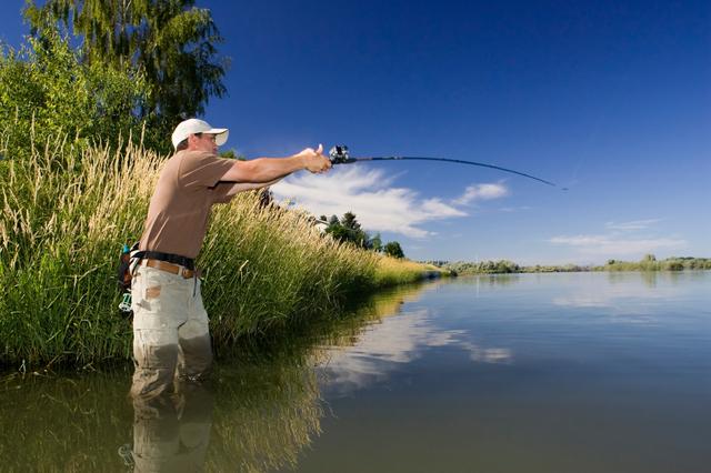 Great fly fishing at Fall River, just 15 minutes away. Great lake fishing at dozens of lakes within 30 minutes.