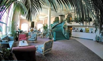 Lobby at Forest Villas Hotel.