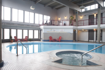 Indoor pool at Maligne Lodge.