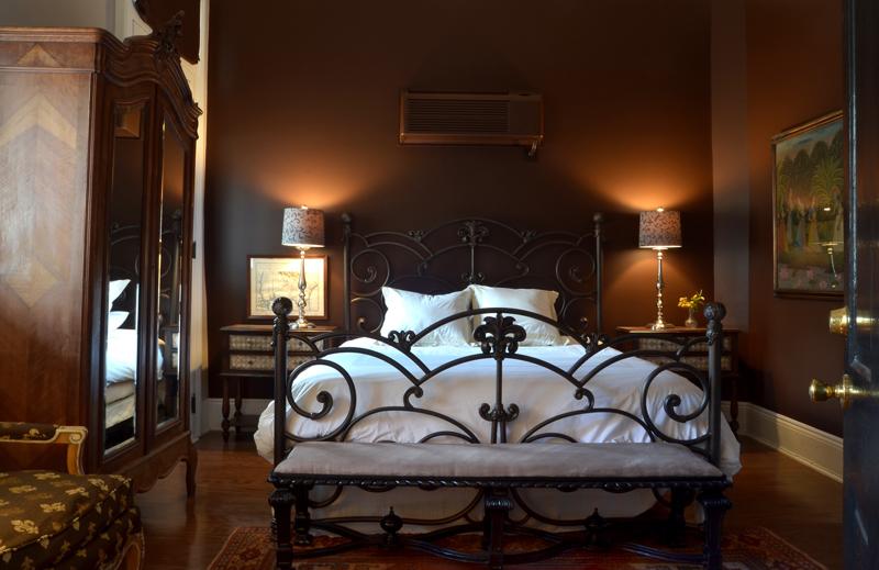 Guest room at Hotel Maison de Ville.