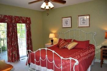 King bed at Hot Springs Village Rentals.
