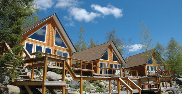 Riverfront chalets grand falls windsor newfoundland and for Cabins in newfoundland