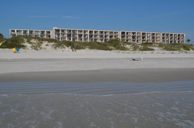 Exterior View of Beacher's Lodge Oceanfront Suites
