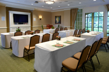 Fireside meeting room at The Lodge at Woodloch.