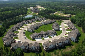 Aerial view of Elk Ridge Resort.
