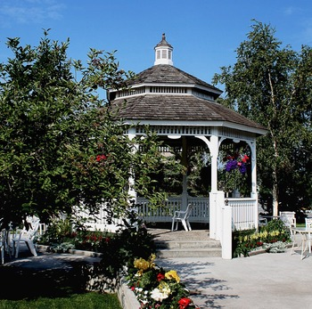 Garden gazebo at Wedgewood Resort.