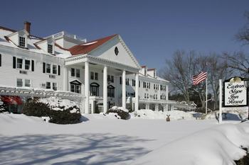 Exterior View of Eastern Slope Inn Resort