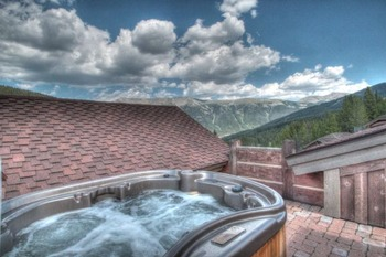 Vacation rental hot tub at SkyRun Vacation Rentals - Copper Mountain.