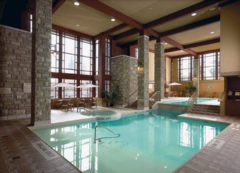 Indoor Pool at DoubleTree Fallsview