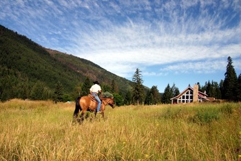 All inclusive horseback riding vacations at Tod Mountain Ranch.