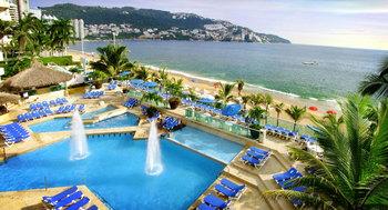 Outdoor pool at Hotel Copacabana Riviera Maya.
