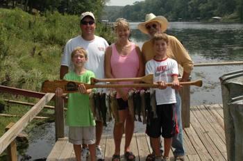 Family fishing at Lindsey's Rainbow Resort.