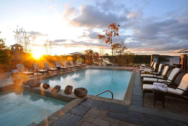 jw marriott the rosseau muskoka resort spa minett. Black Bedroom Furniture Sets. Home Design Ideas