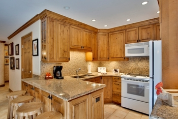 Kitchen at Willows & Riva Ridge South
