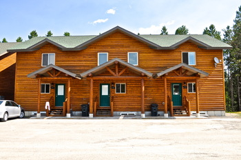 The cabins at Sawtelle Mountain Resort.