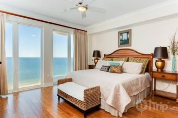 Rental bedroom at iTrip - Gulf Shores.