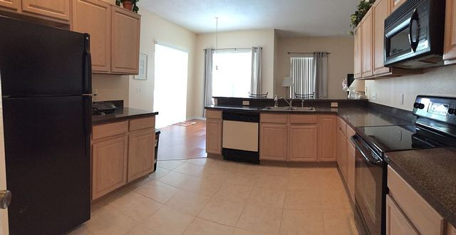 Rental kitchen at Leabridge Vacations.